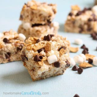 close up of s'mores rice krispie treats