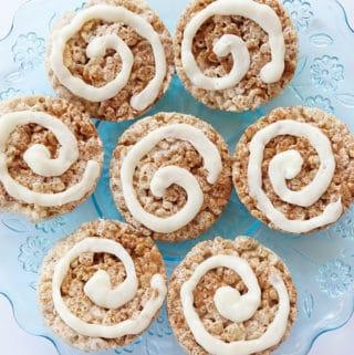 cinnamon roll rice krispie treats on blue plate
