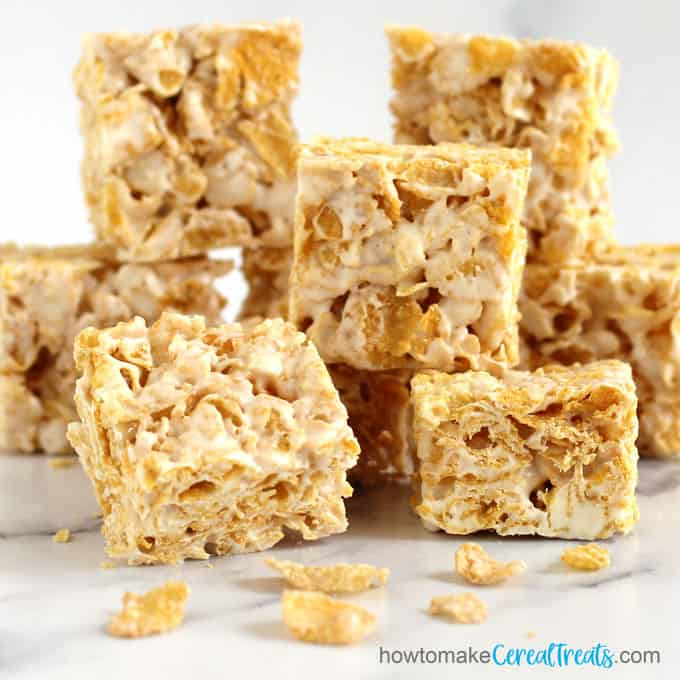 Kellogg's Frosted Flakes Cereal bars made with butter and marshmallows